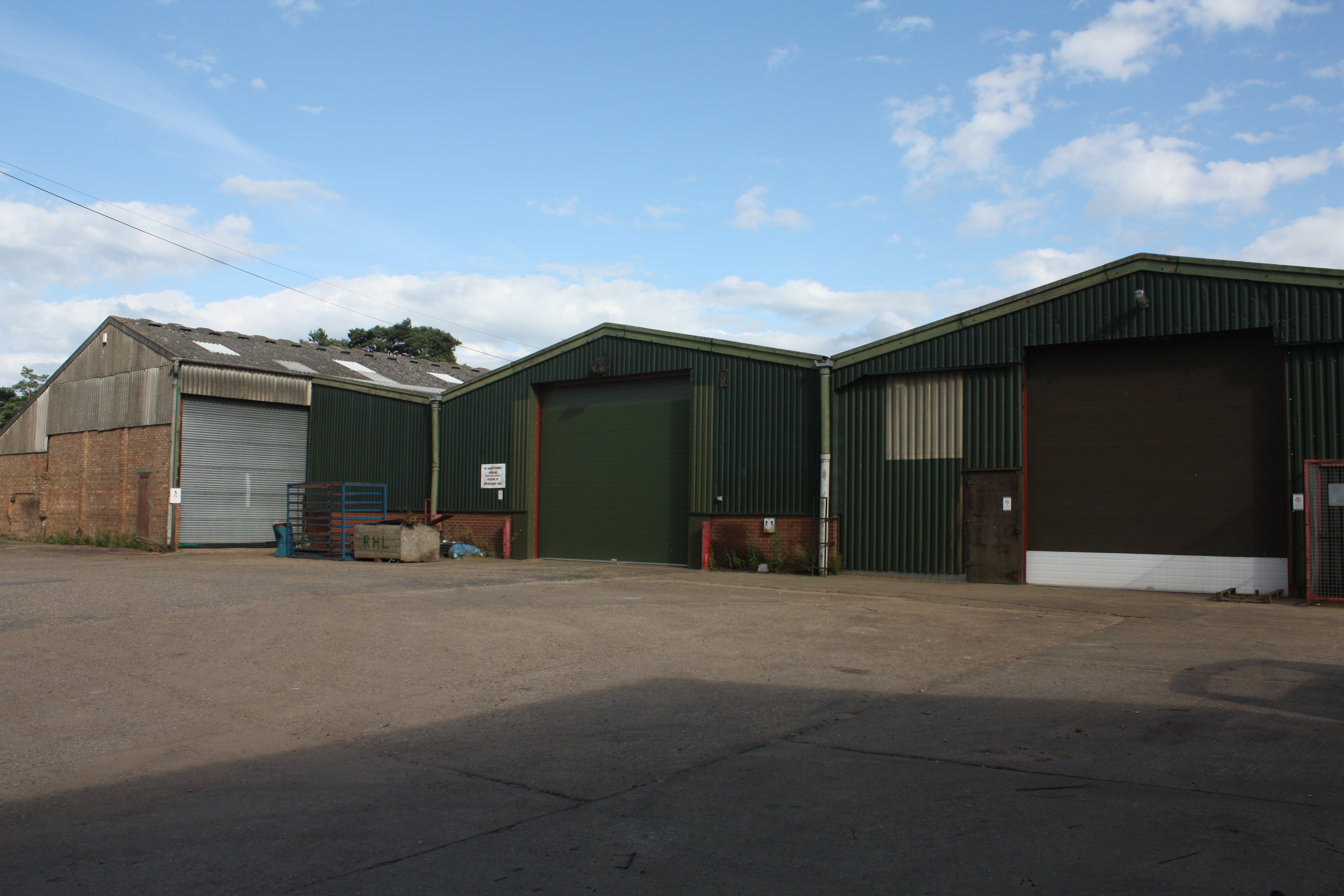 Roadside factory/warehouse To Let